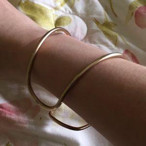 Jewelry - Gold cuff